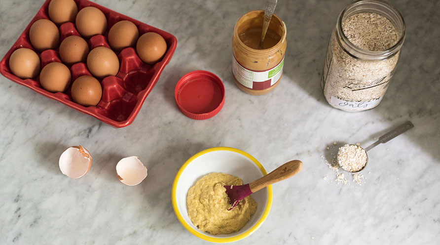 Peanut Butter Oatmeal with Egg